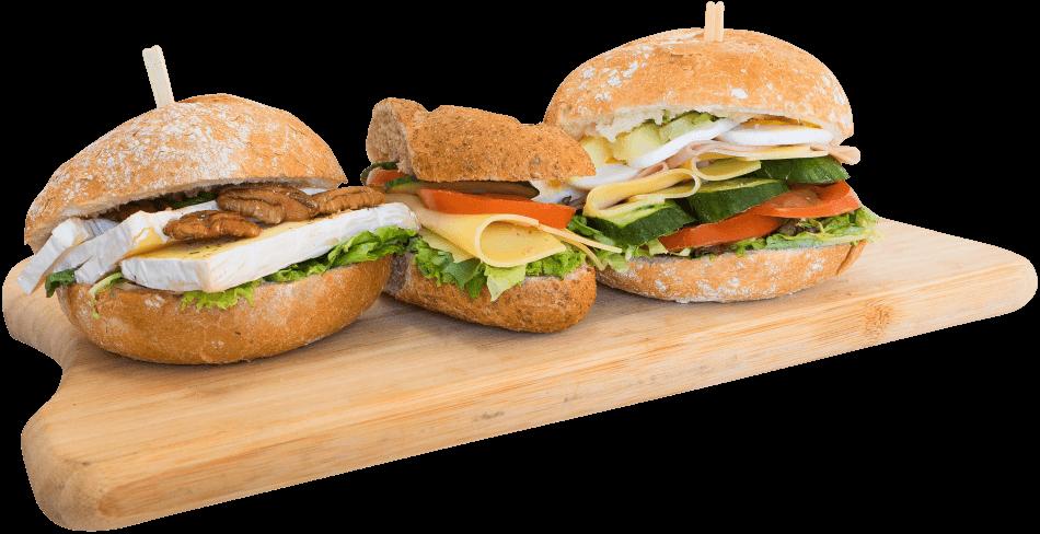 broodplank met 3 soorten belegde broodjes